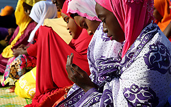 SOUTH AFRICA - Cape Town - 25 May 2020 - Refugee Muslim woman praying as they celebrate Eid. The refugee community in Bellville has Muslims from various different African countries celebrate Eid together. Eid marks the end of a month of fasting from sunrise to sunset as well as spiritual reflection and prayer.  Picture:Brendan Magaar/African News Agency (ANA)