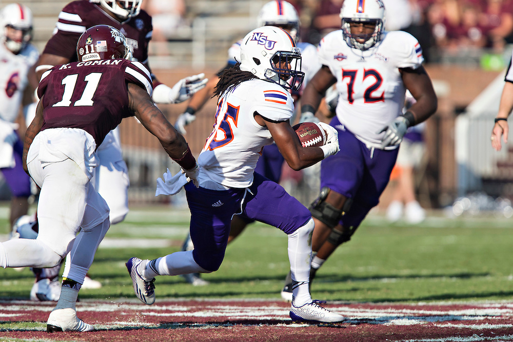 STARKVILLE, MS - SEPTEMBER 19:  Shakeir Ryan #15 of the Northwestern State Demons runs the ball during a game against the Mississippi State Bulldogs at Davis Wade Stadium on September 19, 2015 in Starkville, Mississippi.  The Bulldogs defeated the Demons 62-13.  (Photo by Wesley Hitt/Getty Images) *** Local Caption *** Shakeir Ryan