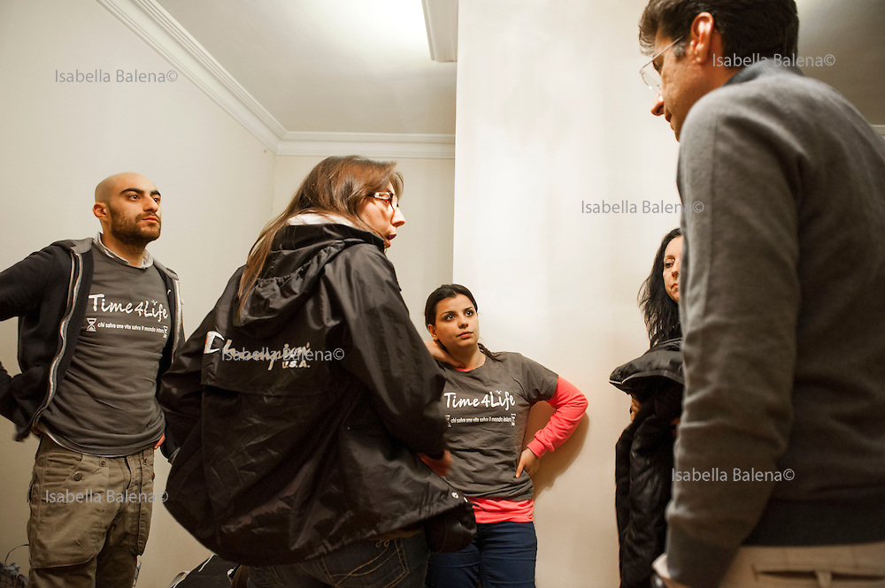 Time4life, organizzazione di volontariato italiana operante in Siria nel campo profughi di Bab al Salam, presso Azaz. Time4life Italian humanitarian organization operating in Syria at the refugee camp Bab al Salam, close to Azaz. Firas Kyasa, Marina, Zena, Cristina, Firas Mourad.