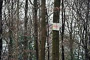 Nederland, Vaals, 8-2-2014Op een boom in het bos is een bord aangebracht wat aangeeft dat vandaar het bos prive, privebezit, is.Foto: Flip Franssen/Hollandse Hoogte