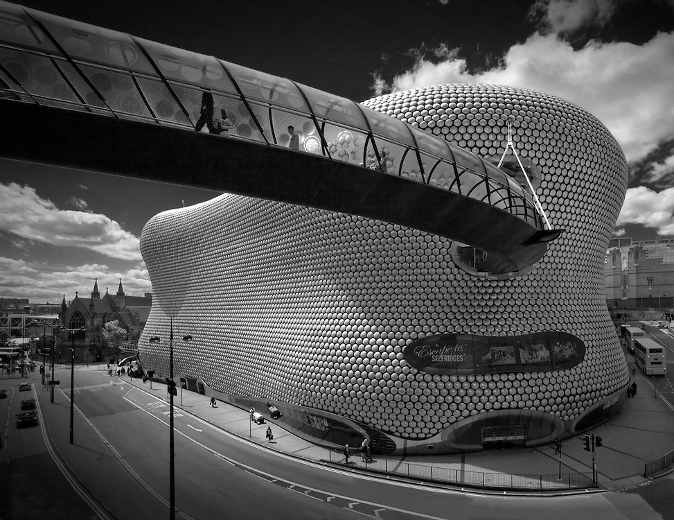 future systems, birmingham, selfridges, black and white, footbridge, buildings
