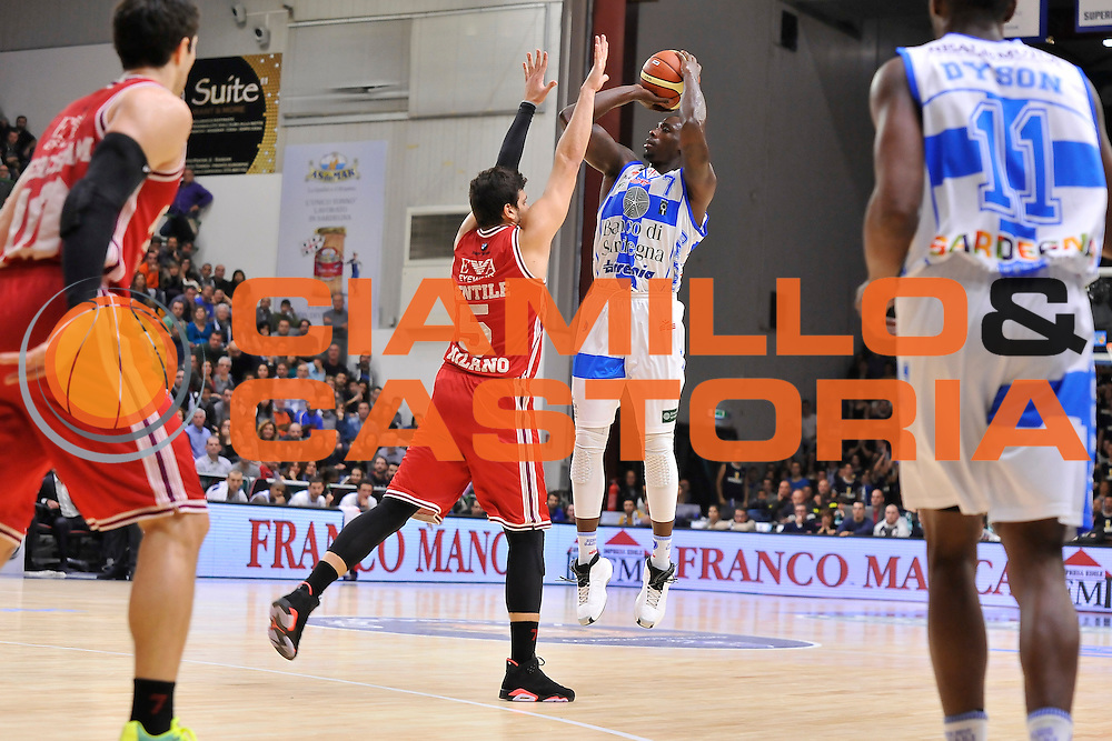 DESCRIZIONE : Campionato 2014/15 Dinamo Banco di Sardegna Sassari - Olimpia EA7 Emporio Armani Milano<br /> GIOCATORE : Rakim Sanders<br /> CATEGORIA : Tiro Tre Punti Three Point<br /> SQUADRA : Dinamo Banco di Sardegna Sassari<br /> EVENTO : LegaBasket Serie A Beko 2014/2015<br /> GARA : Dinamo Banco di Sardegna Sassari - Olimpia EA7 Emporio Armani Milano<br /> DATA : 07/12/2014<br /> SPORT : Pallacanestro <br /> AUTORE : Agenzia Ciamillo-Castoria / Claudio Atzori<br /> Galleria : LegaBasket Serie A Beko 2014/2015<br /> Fotonotizia : Campionato 2014/15 Dinamo Banco di Sardegna Sassari - Olimpia EA7 Emporio Armani Milano<br /> Predefinita :