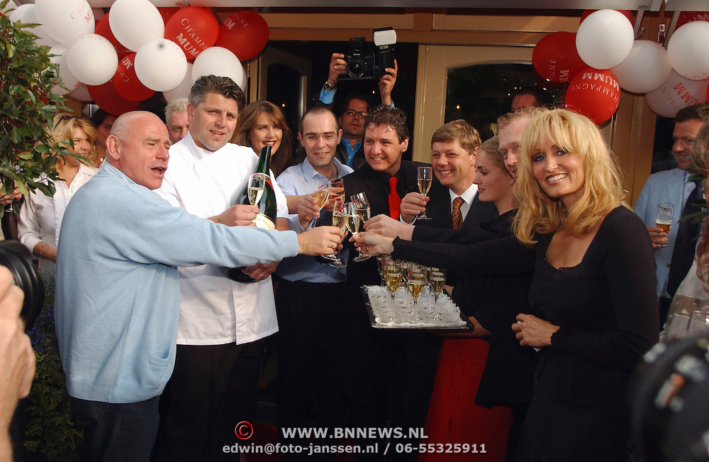 Opening Oesters a/d Brink,