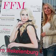 NLD/Loosdrecht/20110502 - Presentatie Fabulous Football Magazine, Kim Stekelenburg - Kallenbach en de eerste cover
