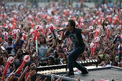 Vocalista da Nego Joe no palco principal do Planeta Atlântida 2013/RS, que acontece nos dias 15 e 16 de fevereiro na SABA, em Atlântida. FOTO: Jefferson Bernardes/Preview.com