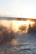 Kroppanbrua med Nidelva rennende under..Temperaturen ligger rundt -20, og frostrøyken skaper trolsk stemning.