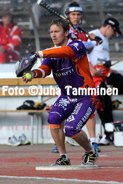 21.6.2011, Rantakentt?, Kitee..Superpesis 2011, Kiteen Pallo-90  - Sotkamon Jymy..Toni Kohonen - Sotkamo.