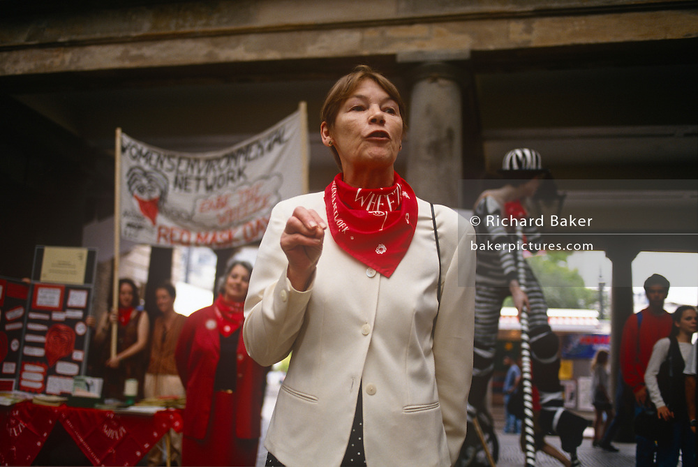 Actor Glenda jackson adresses a Womens' Environmental Network (WEN) rally in Covent Garden in the late-eighties, London, England. Jackson went on to serve as Member of Parliament<br /> for Hampstead and Highgate (1992–2010).