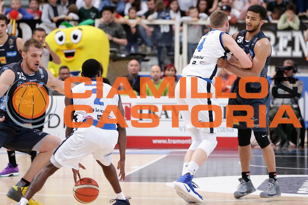 Shavon Shields, Berggren jared<br /> Dolomiti Energia Aquila Basket Trento - Germani Basket Brescia Leonessa<br /> Lega Basket Serie A 2016/2017<br /> PalaTrento, 23/04/2017<br /> Foto Ciamillo-Castoria / M. Brondi