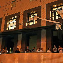 Protesto realizado em Vitória, capital do Estado do Espírito Santo, Brasil.  Em seu ápice, milhões de brasileiros estavam nas ruas protestando não apenas pela redução das tarifas e a violência policial, mas também por uma grande variedade de temas como os gastos públicos em grandes eventos esportivos internacionais, a má qualidade dos serviços públicos e a indignação com a corrupção política em geral. Em muitos momentos aconteceram confrontos da polícia com os manifestantes. <br /> <br /> ENGLISH: Protest held in Victoria, the state capital of Espírito Santo, Brazil. At its peak, millions of Brazilians were in the streets protesting not only the reduction of tariffs and police violence, but also by a wide range of topics such as public spending on major international sporting events, the poor quality of public services and outrage political corruption in general. In many situations police clashes with protesters.