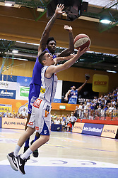 05.06.2017, Walfersamhalle, Kapfenberg, AUT, ABL Finale, ece Bulls Kapfenberg vs Redwell Gunners Oberwart, 4. Spiel, im Bild Bogic Vujosevic (ece bulls Kapfenberg) und Jamari Traylor (Redwell Gunners Oberwart) // during the Austrian Basketball League final round 4th match between ece Bulls Kapfenberg and Redwell Gunners Oberwart at the Walfersam Sportscenter, Kapfenberg, Austria on 2017/06/05, EXPA Pictures © 2017, PhotoCredit: EXPA/ Erwin Scheriau