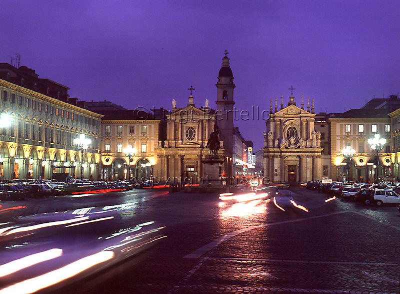 Torino Piazza San Carlo in notturno