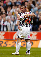 Photo: Leigh Quinnell.<br /> West Bromwich Albion v Barnsley. Coca Cola Championship. 06/05/2007. West Broms Paul Robinson congratulates Kevin Phillips on his goal and hat trick.
