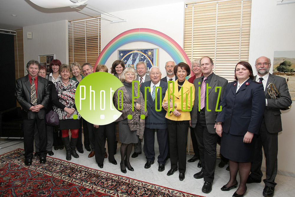 Mannheim. 26.11.2011. Horst Engelhardt Stiftung. Spende an Vereine und Institutionen.<br /> <br /> <br /> Bild: Markus Proflwitz 27NOV11 / masterpress /