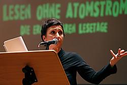 Im Vorfeld des G20-Gipfels in Hamburg lesen namhafte Künstler in der Laeiszhalle Texte des französischen Widerstandskämpfers Stéphane Hessel. Im Bild: Schauspielerin Renan Demirkan <br /> <br /> Ort: Hamburg<br /> Copyright: Andreas Conradt<br /> Quelle: PubliXviewinG
