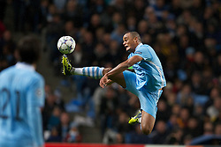 18.10.2011, City of Manchester Stadion, Manchester, ENG, UEFA CL, Gruppe A, Manchester City (ENG) vs FC Villarreal (ESP), im Bild Manchester City's Vincent Kompany in action against Villarreal CF // during UEFA Champions League group A match between Manchester City (ENG) vs FC Villarreal (ESP) at City of Manchester Stadium, Manchaster, United Kingdom on 18/10/2011. EXPA Pictures © 2011, PhotoCredit: EXPA/ Propaganda Photo/ David Rawcliff +++++ ATTENTION - OUT OF ENGLAND/GBR+++++