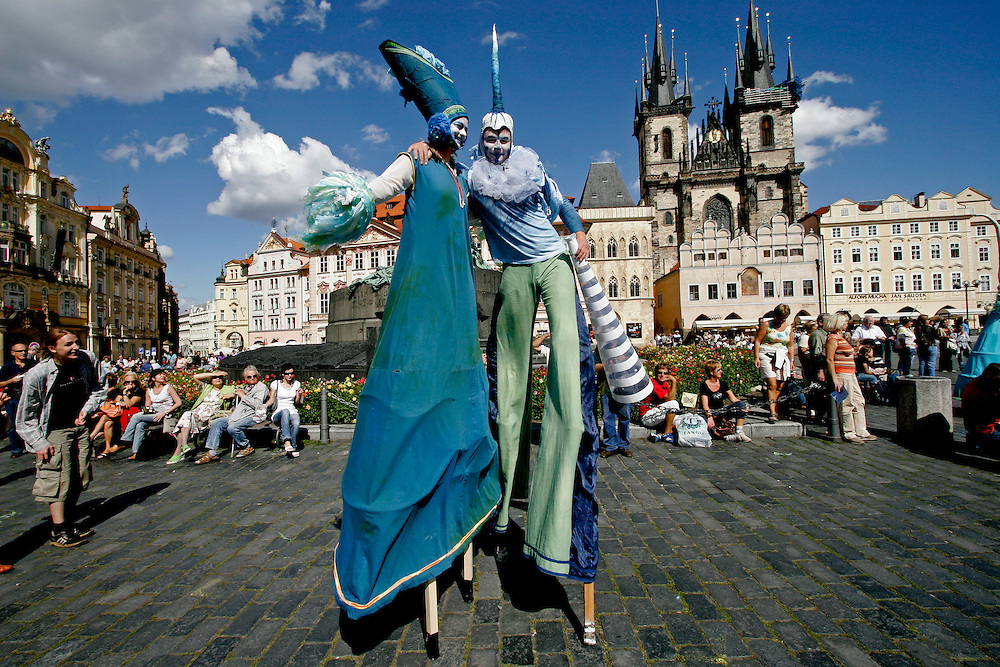 Participants of the International festival of new circus, theatre and music 'Summer Letna 2006' walk in the Old Town Square in Prague, Czech Republic, on Monday 21 August 2006 during opening ceremony of the festival.