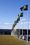 Brasilia_DF, Brasil...Bandeira do Brasil com o Palacio do Itamaraty projetado por Oscar Niemeyer em Brasilia, Distrito Federal...The Brazilian flag with Itamaraty Palace, the Ministry of Foreign Affairs of Brazil, designed by Oscar Niemeyer...Foto: LEO DRUMOND / NITRO