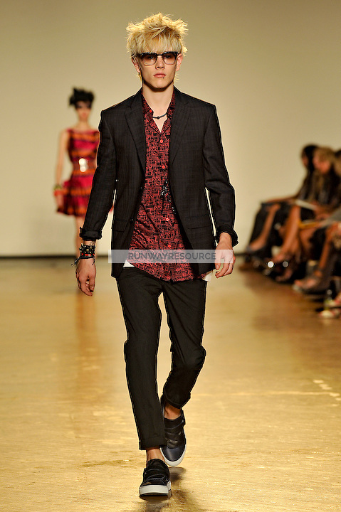 Luke walks the runway wearing Marc by Marc Jacobs Spring 2010 collection during New York Mercedes-Benz fashion week on September 15, 2009.