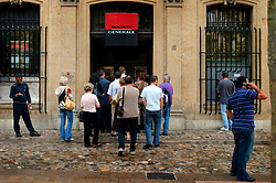 FRANCE PROVENCE AIX EN PROVENCE 3OCT06 - Queue of customers in front of the Societe Generale bank in Aix en Provence, southern France...jre/Photo by Jiri Rezac..© Jiri Rezac 2006..Contact: +44 (0) 7050 110 417.Mobile:  +44 (0) 7801 337 683.Office:  +44 (0) 20 8968 9635..Email:   jiri@jirirezac.com.Web:    www.jirirezac.com..© All images Jiri Rezac 2006 - All rights reserved.