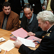 Ondertekening convenant ondernemers Graaf Wichman en gemeente Huizen, burgemeester Verdier en korpschef Bert Woest