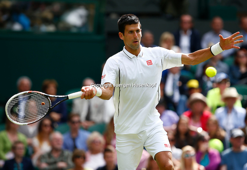 Wimbledon Championships 2013, AELTC,London,<br /> ITF Grand Slam Tennis Tournament,<br /> Novak Djokovic (SRB),Aktion,Einzelbild,Halbkoerper,Querformat,