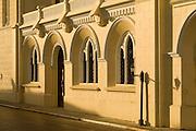 Iglesia y Convento de San Francisco:Su iglesia fue construida en 1673, arruinándose durante los incendios de 1737 y 1776 para volverse a utilizar y ser modernamente remodelada. El área del convento fue ocupada por una escuela pública y también se encuentra en su interior el Salón Bolivariano donde se llevó a cabo el Congreso Anfictiónico dirigido por el insigne libertador Simón Bolívar.El Casco Antiguo de la Ciudad de Panamá es declarado Patrimonio de la Humanidad por UNESCO en el año de 1997. ©Francisco Barsallo/ Istmophoto/Latincontent/Gettyimages