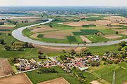Nederland, Limburg, Gemeente Echt-Susteren, 27-05-2013; Grensmaas gezien naar Belgie en de Belgische grens, Illikhoven in de voorgrond.<br /> River Meuse forms border with Belgium.<br /> luchtfoto (toeslag op standard tarieven);<br /> aerial photo (additional fee required);<br /> copyright foto/photo Siebe Swart.