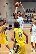 DESCRIZIONE : Roseto Precampionato Lega A1 2006 2007 Trofeo Lido delle Rose Climamio Fortitudo Bologna Maccabi Tel Aviv<br />GIOCATORE : Belinelli<br />SQUADRA : Climamio Fortitudo Bologna<br />EVENTO : Precampionato Lega A1 2006 2007 Trofeo Lido delle Rose Climamio Fortitudo Bologna Maccabi Tel Aviv<br />GARA : Climamio Fortitudo Bologna Maccabi Tel Aviv<br />DATA : 29/09/2006<br />CATEGORIA : Tiro<br />SPORT : Pallacanestro<br />AUTORE : Agenzia Ciamillo-Castoria/G.Ciamillo<br />Galleria : Lega Basket A1 2006-2007<br />Fotonotizia : Roseto Precampionato Lega A1 2006 2007 Trofeo Lido delle Rose Climamio Fortitudo Bologna Maccabi Tel Aviv<br />Predefinita :