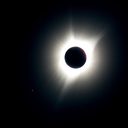 August 21, 2017 - John Day, OR, U.S - The 2017 American eclipse in totality as seen from John Day, Oregon with the planet Mercury showing in the lower left. (Credit Image: © Mike Albright via ZUMA Wire)