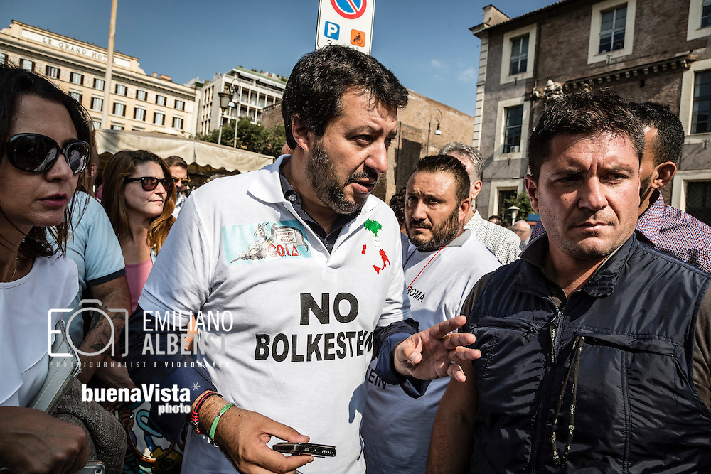 Emiliano Albensi<br /> 28/09/2016 Roma (Italia)<br /> Manifestazione &quot;No Bolkestein&quot; con Di Maio e Salvini<br /> Nella foto: Matteo Salvini, leader della Lega Nord, durante la manifestazione organizzata dagli ambulanti di tutta Italia contro la direttiva Bolkestein, imposta dall'Unione Europea e che prevede la messa a bando delle licenze. <br /> <br /> Emiliano Albensi<br /> 28/092016 Rome (Italy)<br /> &quot;No Bolkestein&quot; Demonstration with Di Maio and Salvini<br /> In the picture: Matteo Salvini, Northern League party, at the demonstration organized by Italian peddlers against the Bolkestein directive, imposed by the European Union and according to which it will be issued a tender for all the Licenses.