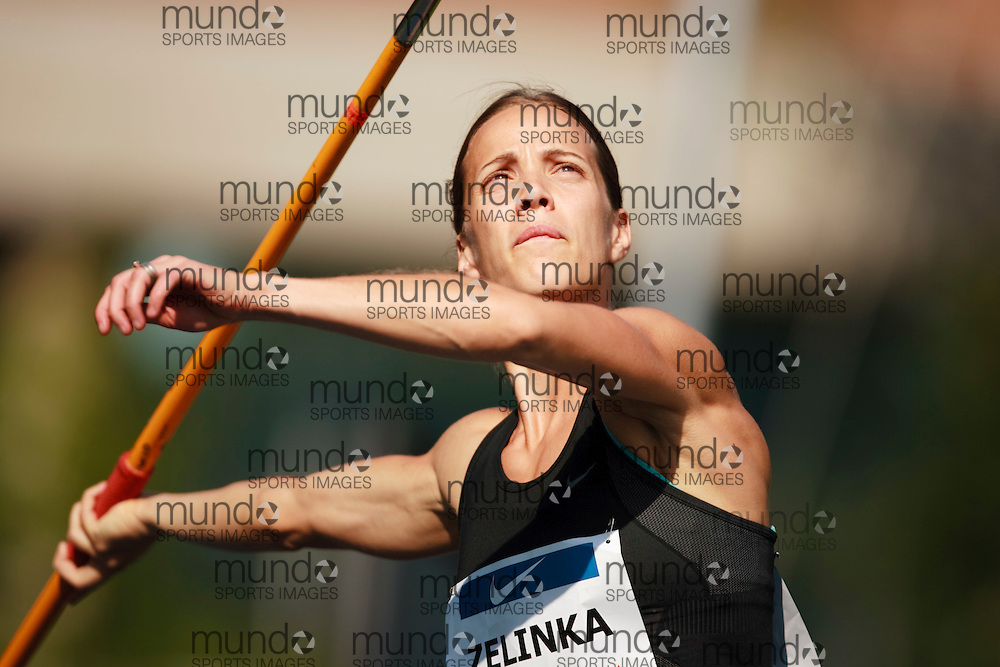 Toronto, Ontario ---10-07-29--- Heptathlete Jessica Zelinka competes in the javelin at the 2010 Canadian Track and Field Championships in Toronto, Ontario July 29,  2010.. GEOFF ROBINS/Mundo Sport Images.