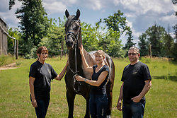 Latin Boy v/h Trichelhof, Bries Karen, Bries Ronny, Mangelschots Chris<br /> het Trichelhof - Eindhout 2020<br /> © Hippo Foto - Dirk Caremans<br />  13/06/2020