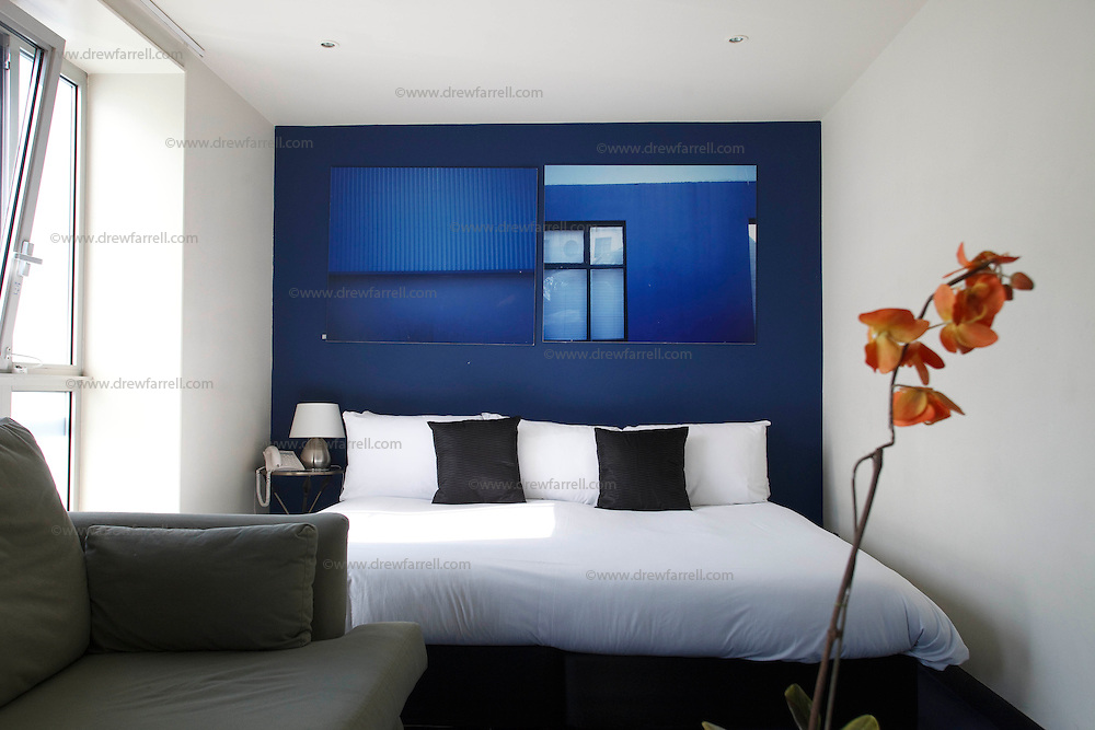 Picture shows : Bedroom. The Brunswick Metro Hotel. Brunswick Street. Merchant City Area, Glasgow. Travel guide feature..Picture Drew Farrell. tel : 07721-735041......
