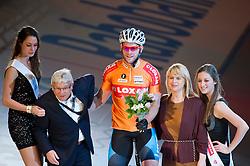 08-01-2012 WIELRENNEN: RABOBANK ZESDAAGSE: ROTTERDAM<br /> Teun Mulder tijdens de huldiging met de rondemissen<br /> (c)2012-FotoHoogendoorn.nl / Peter Schalk