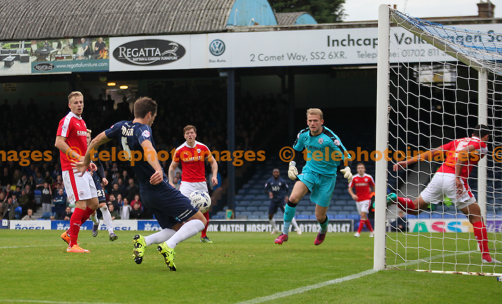 Luke Prosser of Southend United scores to make it 2-1 during the Sky Bet League 1 match between Southend United and Barnsley at Roots Hall in Southend. October 17, 2015.<br /> Arron Gent / Telephoto Images<br /> +44 7967 642437
