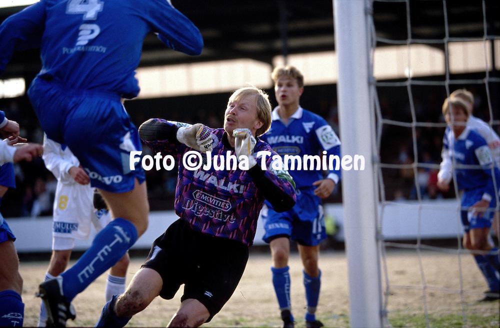 05.05.1993, Lahti, Finland..Veikkausliiga / Finnish League, FC Kuusysi v FC Haka Valkeakoski..Olli Huttunen - Haka.©Juha Tamminen