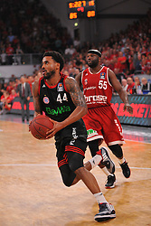 21.06.2015, Brose Arena, Bamberg, GER, Beko Basketball BL, Brose Baskets Bamberg vs FC Bayern Muenchen, Playoffs, Finale, 5. Spiel, im Bild Bryce Taylor (FC Bayern Muenchen / vorne ) hat sich gegen Dawan Robinson (Brose Baskets Bamberg / hinten) durchgesetzt. // during the Beko Basketball Bundes league Playoffs, final round, 5th match between Brose Baskets Bamberg and FC Bayern Muenchen at the Brose Arena in Bamberg, Germany on 2015/06/21. EXPA Pictures &copy; 2015, PhotoCredit: EXPA/ Eibner-Pressefoto/ Merz<br /> <br /> *****ATTENTION - OUT of GER*****