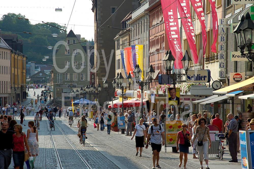 Würzburg..Einkaufsstraße Domstraße