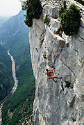 France, Provence, Rock climbers at Gorge du Verdon.