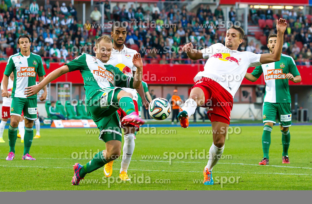 28.09.2014, Ernst Happel Stadion, Wien, AUT, 1. FBL, SK Rapid Wien vs FC Red Bull Salzburg, 10. Runde, im Bild Mario Sonnleitner, (SK Rapid Wien, #6), Stefan Ilsanker, (FC Red Bull Salzburg, #13)// during Austrian Football Bundesliga Match, 10th round, between SK Rapid Vienna and FC Red Bull Salzburg at the Ernst Happel Stadium, Vienna, Austria on 2014/09/28. EXPA Pictures © 2014, PhotoCredit: EXPA/ Sebastian Pucher