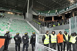 November 5, 2017 - Saint Etienne - Stade Geoffroy, France - CRS et Supporters (Credit Image: © Panoramic via ZUMA Press)