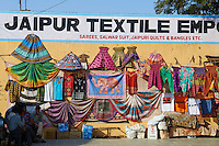 Inde, Rajasthan, Jaipur la ville rose, boutique pour touriste // India, rajasthan, Jaipur the Pink City, tourist shop