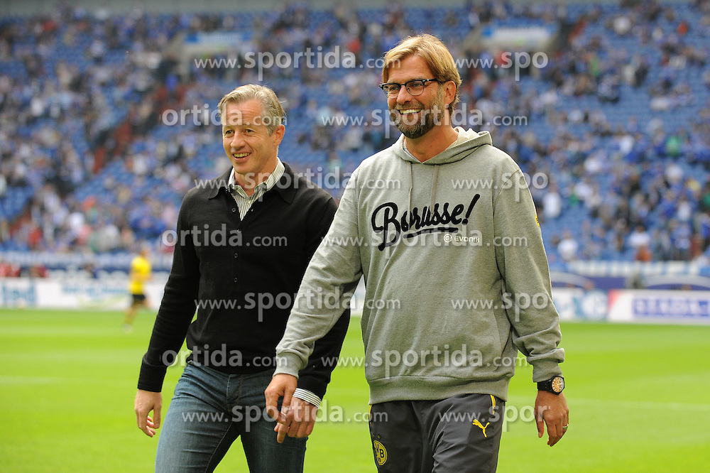 27.09.2014, Veltins Arena, Gelsenkirchen, GER, 1. FBL, Schalke 04 vs Borussia Dortmund, 6. Runde, im Bild Trainer Jens Keller ( links Schalke 04 ) gemeinsam mit Trainer Juergen Klopp ( rechts Borussia Dortmund ) // during the German Bundesliga 6th round match between Schalke 04 and Borussia Dortmund at the Veltins Arena in Gelsenkirchen, Germany on 2014/09/27. EXPA Pictures &copy; 2014, PhotoCredit: EXPA/ Eibner-Pressefoto/ Thienel<br /> <br /> *****ATTENTION - OUT of GER*****