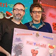 NLD/Amsterdam/20111114 - Presentatie Sinterklaasboeken Douwe Egberts & C1000, Ronald Giphart en Tom Schamp