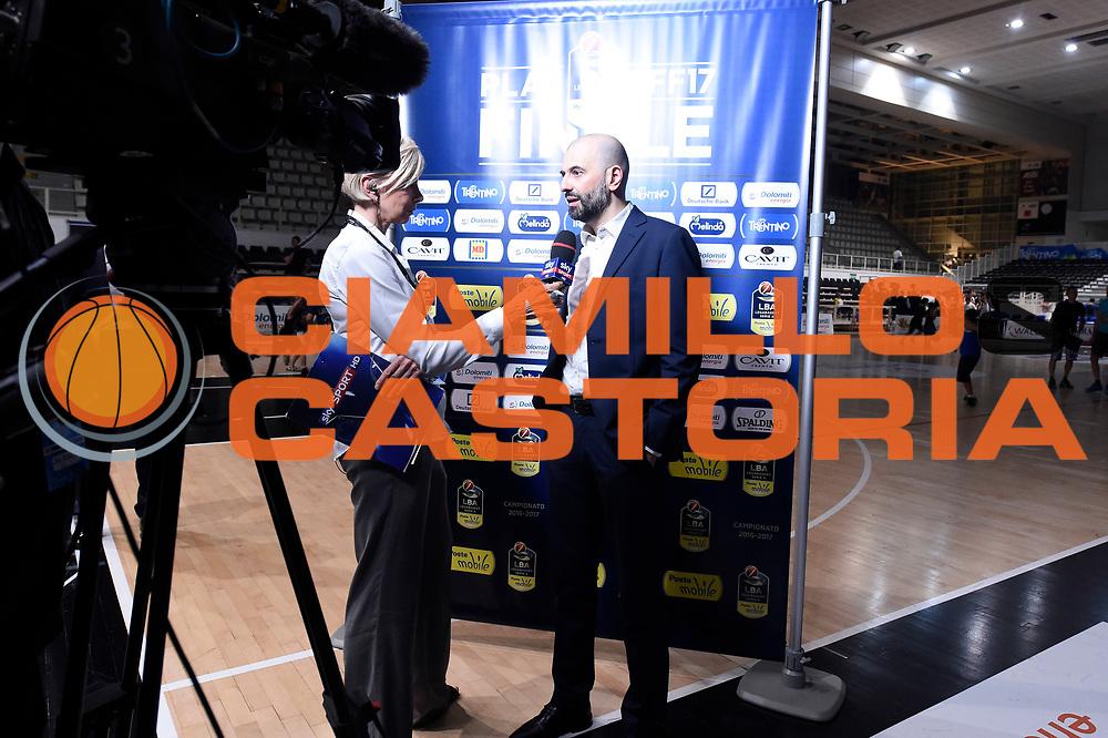 Claudia Angiolini, Maurizio Buscaglia<br /> Dolomiti Energia Aquila Basket Trento - Umana Reyer Venezia<br /> Lega Basket Serie A 2016/2017<br /> Playoff, finale gara 3<br /> Trento, 14/06/2017<br /> Foto M.Ceretti / Ciamillo-Castoria