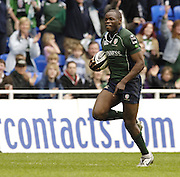 Reading, ENGLAND, Topsy Ojo. London Irish vs Saracens, Guinness Premiership Rugby, at the, Madejski Stadium, 06.05.2006, © Peter Spurrier/Intersport-images.com,  / Mobile +44 [0] 7973 819 551 / email images@intersport-images.com.