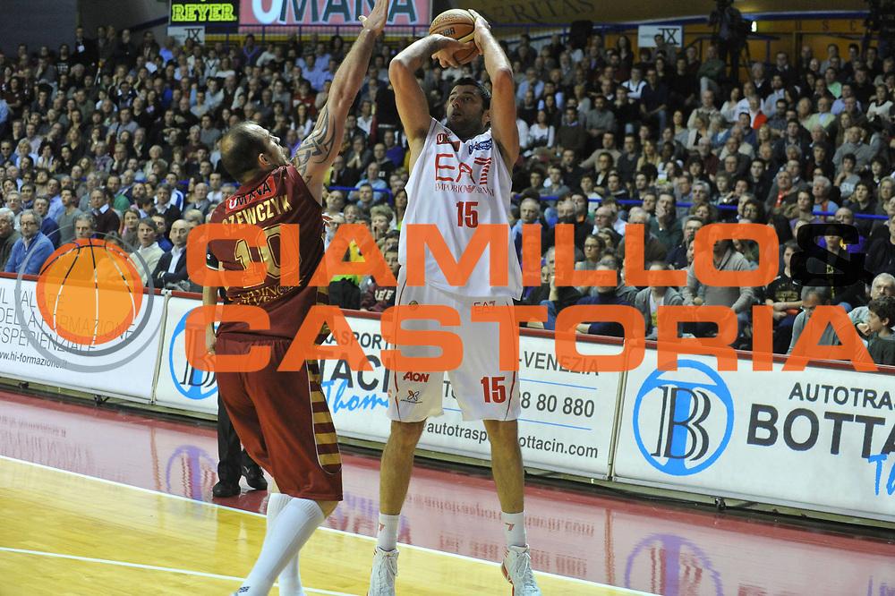 DESCRIZIONE : Venezia Lega A 2012-13 Umana Venezia EA7 Emporio Armani Milano<br /> GIOCATORE : ioannis bourousis<br /> CATEGORIA : tiro<br /> SQUADRA : Umana Venezia EA7 Emporio Armani Milano<br /> EVENTO : Campionato Lega A 2012-2013 <br /> GARA : Umana Venezia EA7 Emporio Armani Milano<br /> DATA : 10/03/2013<br /> SPORT : Pallacanestro <br /> AUTORE : Agenzia Ciamillo-Castoria/M.Gregolin<br /> Galleria : Lega Basket A 2012-2013  <br /> Fotonotizia : Venezia Lega A 2012-13 Umana Venezia EA7 Emporio Armani Milano<br /> Predefinita :