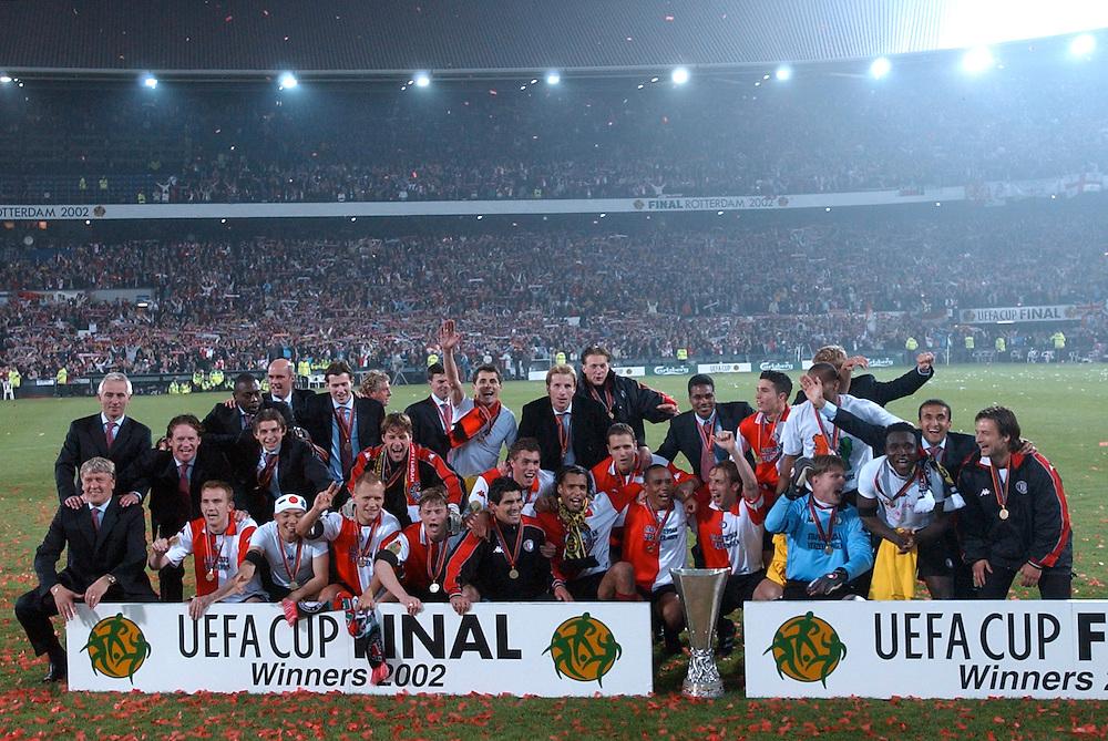 Photo: Gerrit de Heus. Rotterdam. UEFA Cup Final. Feyenoord-Borussia Dortmund. Feyenoord wins the Cup...Keywords: beker