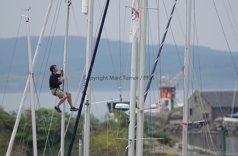 Silvers Marine Scottish Series 2017<br /> Tarbert Loch Fyne - Sailing<br /> <br /> Mast repairs in Tarbert Harbour<br /> <br /> Credit: Marc Turner / CCC